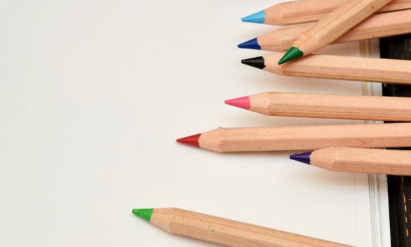 kursus om at designe et staudebed med farver i haven